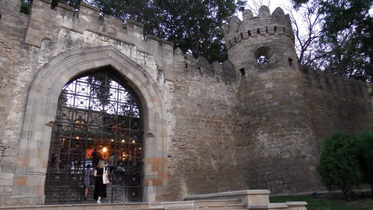 Baku - hovedstad i Azerbaijan
